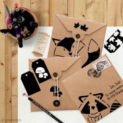DIY carterie : Personnaliser des cartes et enveloppes au pochoir
