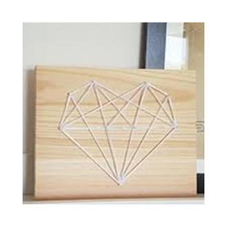 4. DIY Tableau String Art Coeur Origami