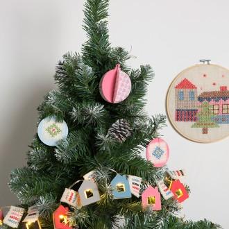 2. Décorer la boule de Noël
