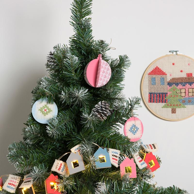 Boule De Noel A Customiser.Comment Customiser Une Boule De Noël 3d Idées Conseils Et