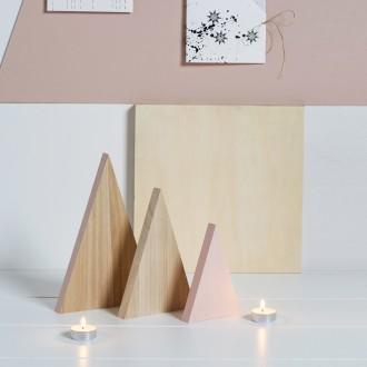 2. Décorer ses sapins en bois design