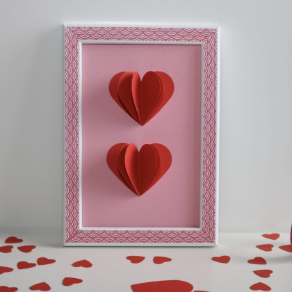 diy saint valentin le cadre origami coeur id es. Black Bedroom Furniture Sets. Home Design Ideas