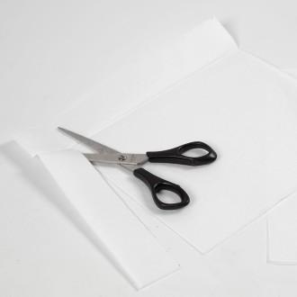 diy halloween faire une guirlande fant mes en papier de soie id es conseils et tuto halloween. Black Bedroom Furniture Sets. Home Design Ideas