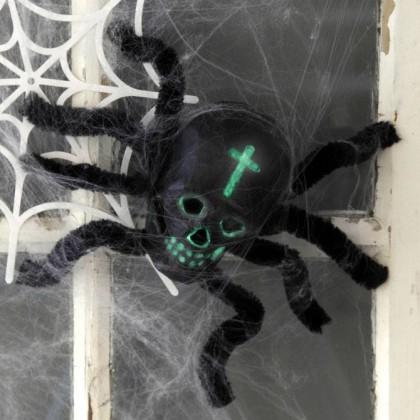 DIY Halloween : Fabriquer une araignée tête de mort
