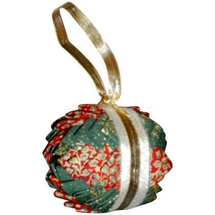 Boule de Noël en patchwork
