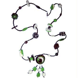 Collier noir, brun, vert et luminescent en pate fimo