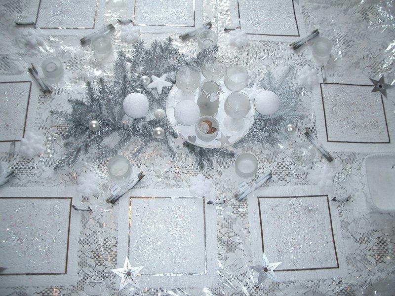 Centre table blanc et argent forum mariage - Decoration table reveillon jour de l an ...