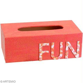 Mode d'emploi Artepatch : appliquer une feuille sur une boîte à mouchoirs