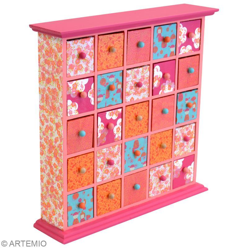 Personnaliser un meuble tiroirs avec de l 39 artepatch for Decopatch meuble