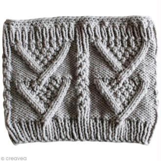 DIY tricot : Snood aux motifs en V