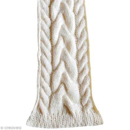 Tutoriel   Tricoter une écharpe tressée - Idées conseils et tuto ... fcd65b847d3