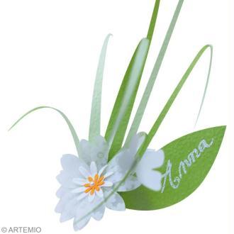 Déco mariage vert et blanc : Invitation, marque place et centre de table