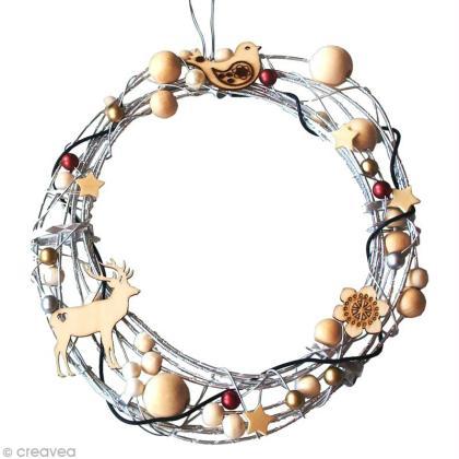 DIY Noël : Couronne de porte en fil alu et perles