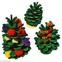Bricolage enfant Noël : Décorer des pommes de pin
