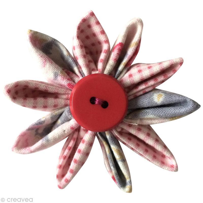 tuto comment faire une fleur kanzashi en tissu id es conseils et tuto couture. Black Bedroom Furniture Sets. Home Design Ideas
