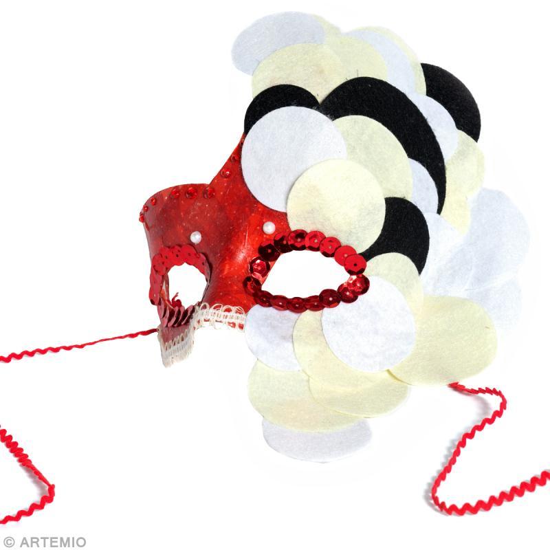 masque de carnaval à faire soi-même : princesse aux confettis