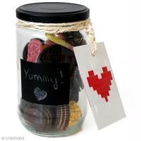 Transformer un bocal en bonbonnière de Saint Valentin