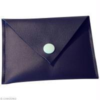 Réaliser un porte-cartes en simili cuir