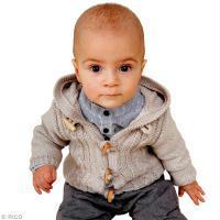 Modèle tricot : cardigan à torsades pour bébé