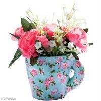 Une tasse transformée en pot de fleurs shabby chic avec Artepatch