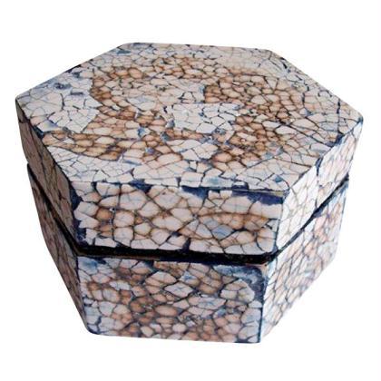 Réaliser une boite en mosaïque coquille d\'oeuf - Idées conseils et ...