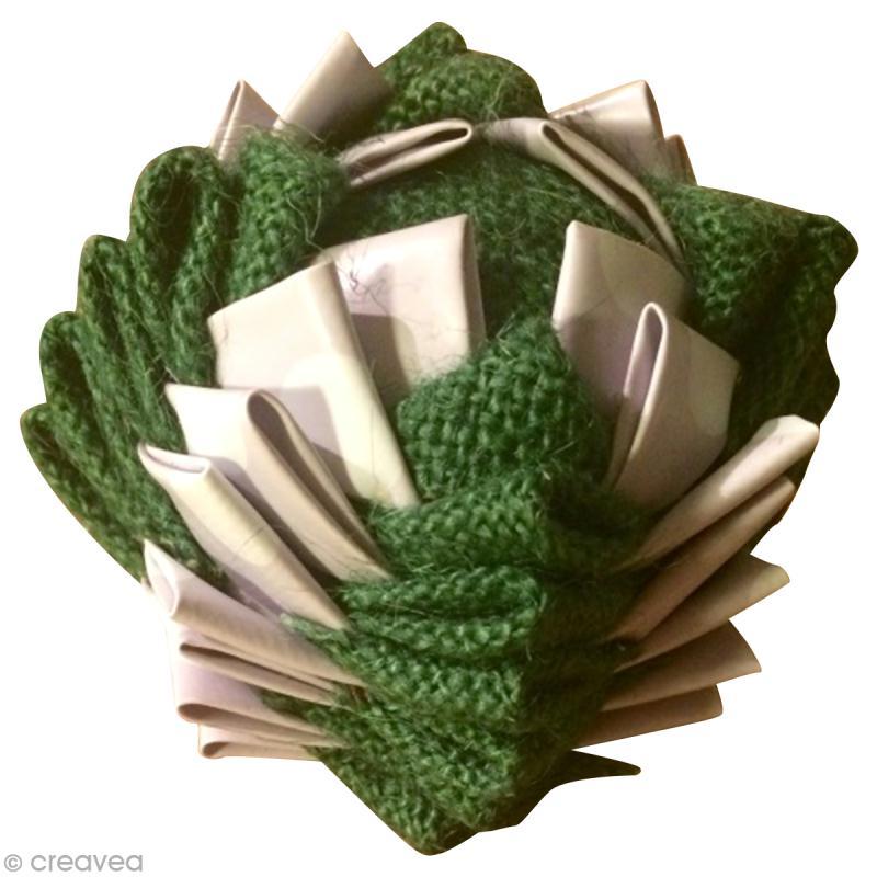 Diy boule de no l en tissu id es conseils et tuto no l - Comment fabriquer une coupe du monde en papier ...