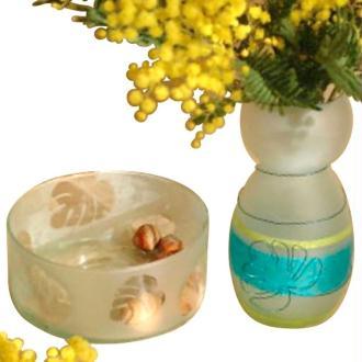 Vase et plat en verre décorés au vernis velours