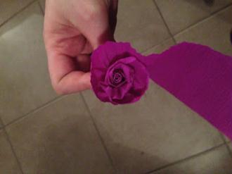 Bien connu DIY Rose en papier crépon - Idées conseils et tuto Saint Valentin ZR47