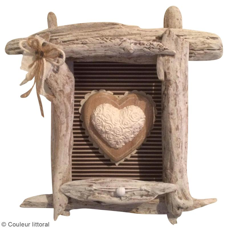 diy cadre en bois flott id es conseils et tuto f te des m res. Black Bedroom Furniture Sets. Home Design Ideas
