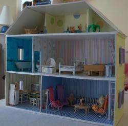 fabriquer maison de poup e en carton plume id es conseils et tuto maquettes et miniatures. Black Bedroom Furniture Sets. Home Design Ideas