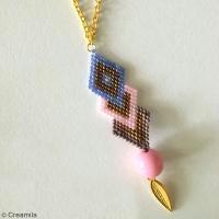 DIY Collier en perles Brick Stitch : Diagramme et tutoriel