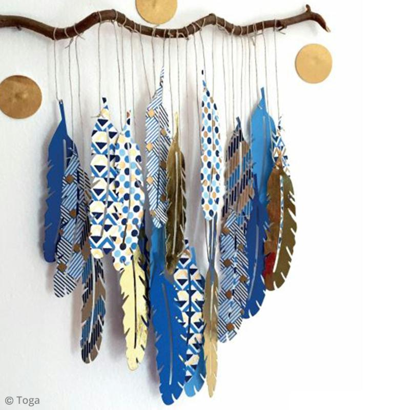 diy d co facile branche de plumes suspendre id es. Black Bedroom Furniture Sets. Home Design Ideas