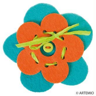 Personnaliser des broches en feutrine pour fête des mères à moins de 2 euros
