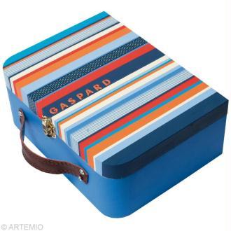 Décorer une valise en bois pour la maternelle
