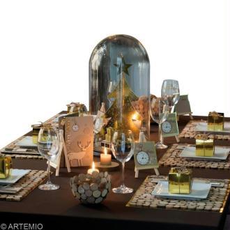 Déco de table Noël : or et bois