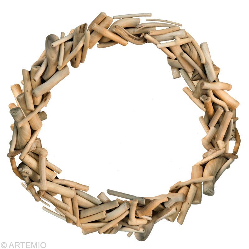 fabriquer une couronne de no l en bois flott id es conseils et tuto no l. Black Bedroom Furniture Sets. Home Design Ideas