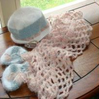 Echarpe, mouffles et bonnet