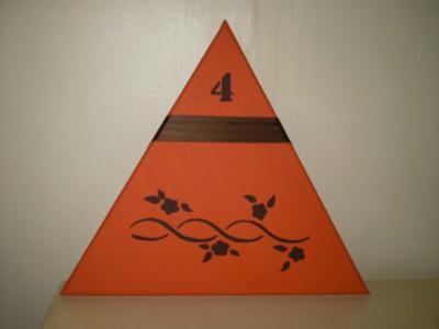 tableau triangle cr ation home d co et miroir de ideedeco n 20 784 vue 1 902 fois. Black Bedroom Furniture Sets. Home Design Ideas