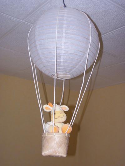 abat jour montgolfi re cr ation chambre d 39 enfant de sophieyan n 21 953 vue 10 822 fois. Black Bedroom Furniture Sets. Home Design Ideas