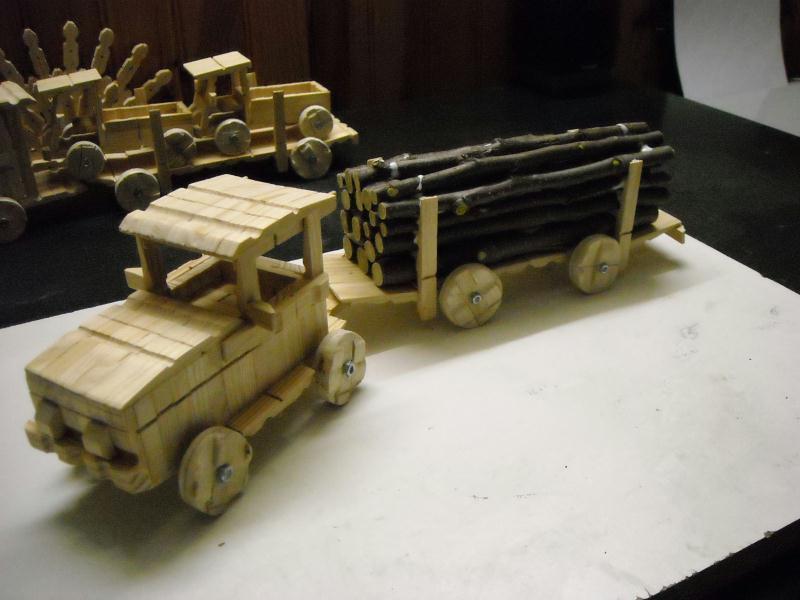 transporteur de bois  Création Création en pinces à linge de aya n