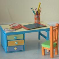 Le bureau de la maison de poupées