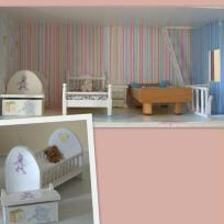 La chambre de la maison de poupées