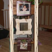 Trois cadres en bois toile, miroir et vigne