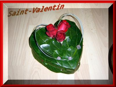Composition florale coeur de saint valentin cr ation art floral de anniega - Composition st valentin ...