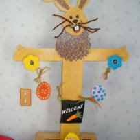 Lapin de Pâques en contre-plaqué