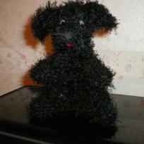 Eden le petit chien noir en crochet