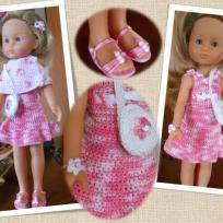 La petite robe crochetée rose de mademoiselle Chérie