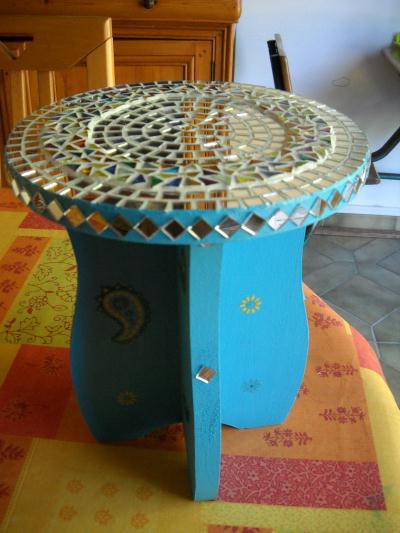 table de chevet orientale cr ation mosa que de granville. Black Bedroom Furniture Sets. Home Design Ideas