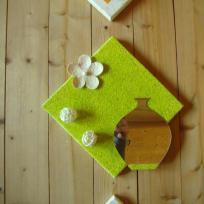 Tableau vert vif et son pot marron