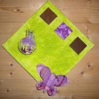 100%  fille -  tableau vert anis et ses accessoires violets